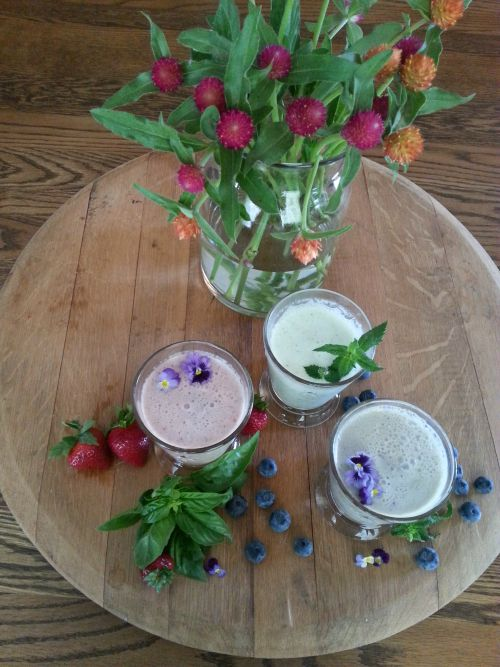 Refreshing Basil and Mint Smoothie Combinations